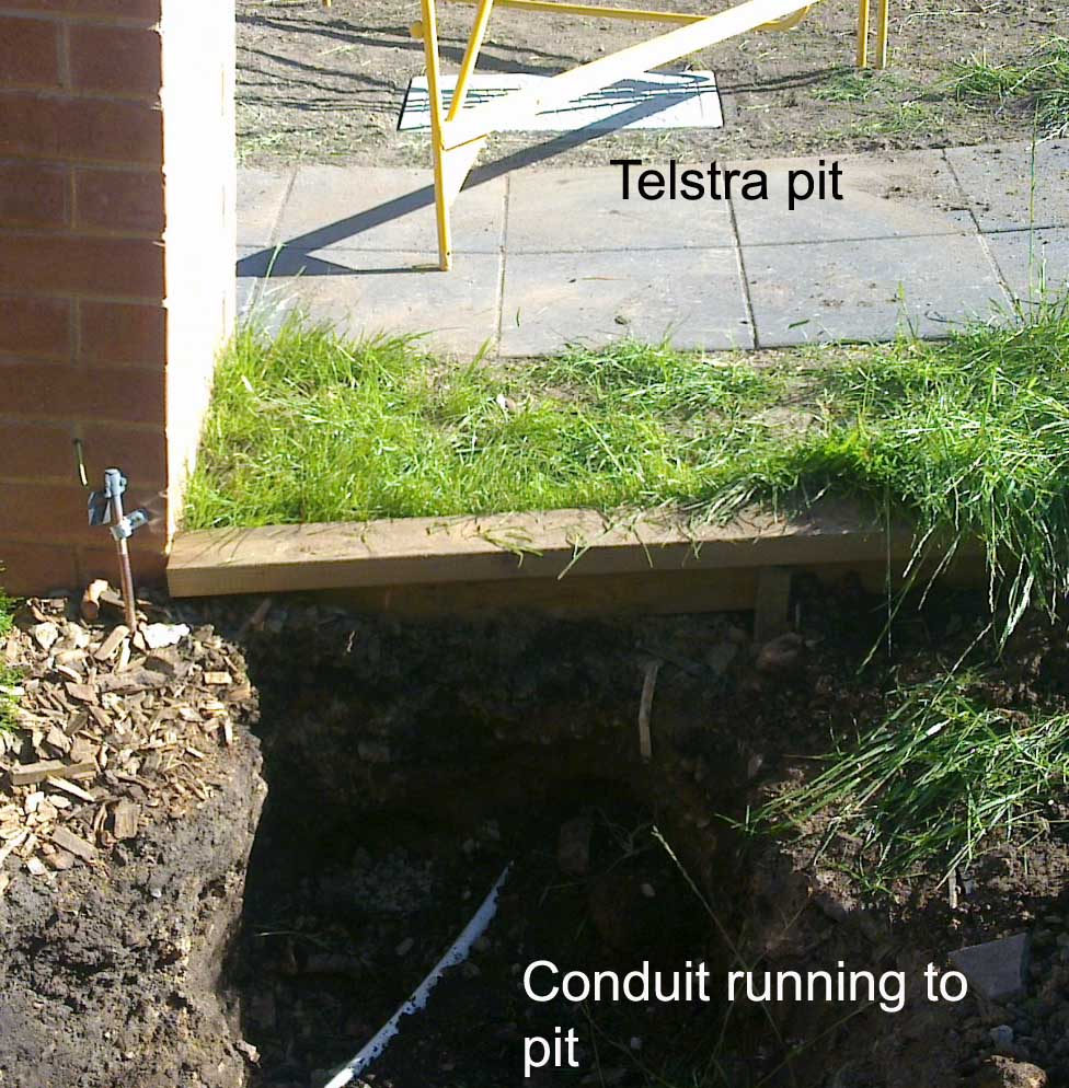 Dig Dug Mini Digging - Servicing the ACT and surrounding